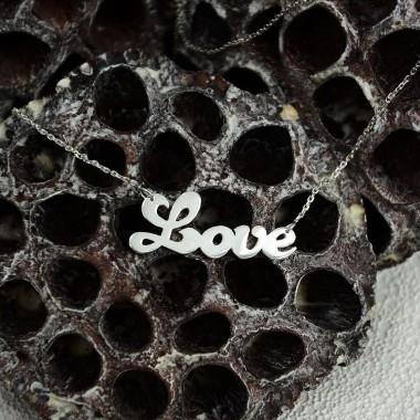 """Strieborná retiazka """"Love"""""""