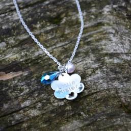 Kvetinka s kameňom a perlou